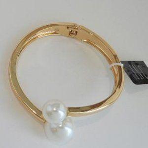 INC Hinged Bracelet Faux Pearl Gold Tone (B29)